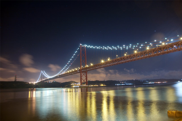 25 de Abril Bridge at Night