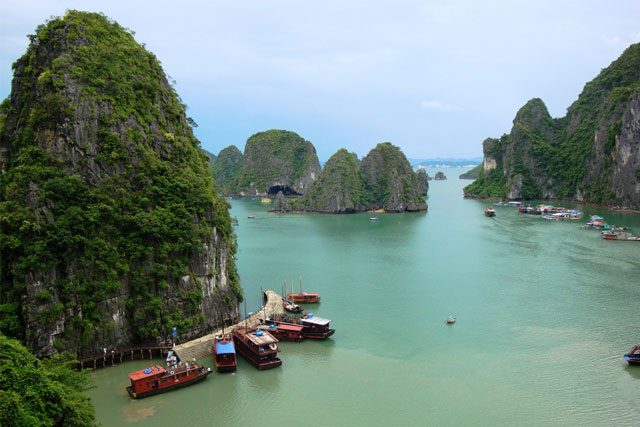 View of Hạ Long Bay