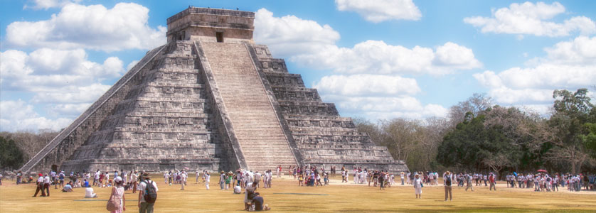 El Castillo also known as the Temple of Kukulkan, Chichen Itza, Mexico